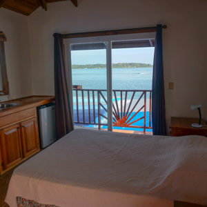 bocas-surf-school-and-guesthouse-private-room